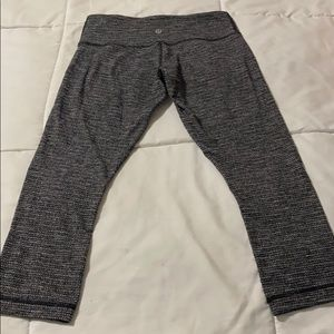 🔥Lululemon cropped leggings! Like new!